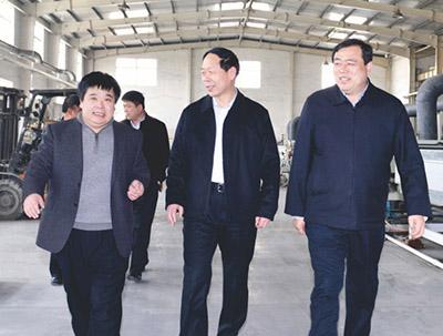 潍坊建设局局长李光东到公司参观考察